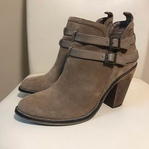 Nine West Suede Double Buckle Taupe Ankle Boots Size 9